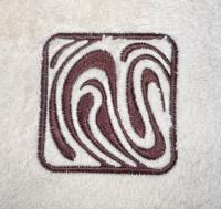 пример машинной вышивки на махре