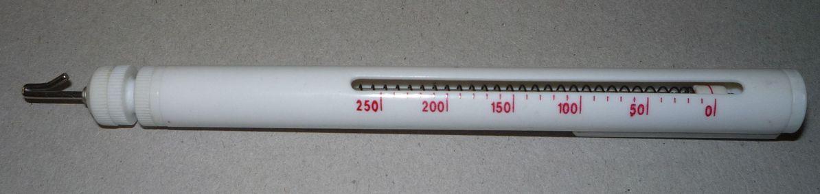 калибр для регулировки натяжения верхней нити в вышивальной машине