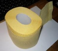 рулон обычной туалетной бумаги