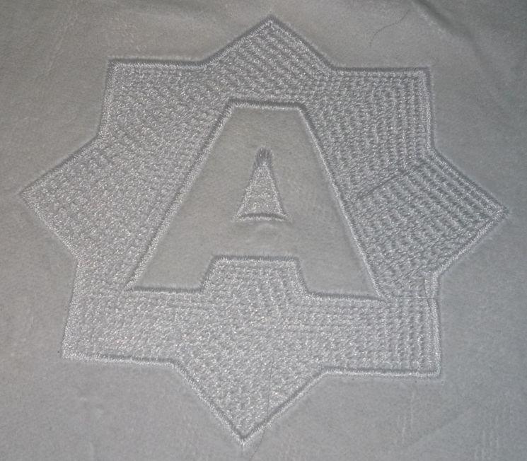 техника вышивки на ворсовых тканях