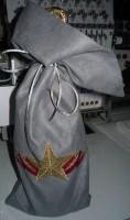 машинная вышивка подарочного мешка для бутылки шаг 15