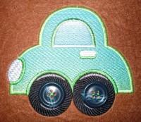 машинка с колесами-пуговицами машинная вышивка