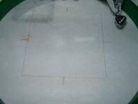 вышитая подставка-конверт одевающаяся на ножку бокала шаг 06