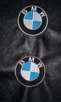 машинная вышивка лого BMW на кожзаме 07