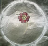 машинная вышивка на атласе 02