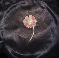 машинная вышивка на атласе 03