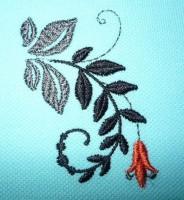 пример машинной вышивки одного дизайна разного цвета нитками на разного цвета тканях