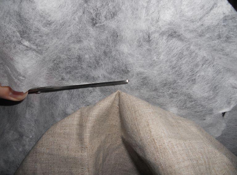 срезание стабилизатора с изнанки вышивки