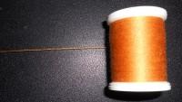 правильный путь схода нитки с катушки с прямой намоткой
