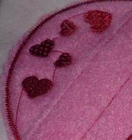 перетяжки ниток между объектами в машиной вышивке