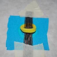 урашенная машинной вышивкой резинка для волос 06