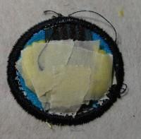 урашенная машинной вышивкой резинка для волос 11