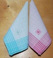 носовые платки с вышитой монограммой М