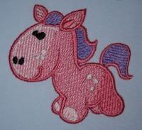 машинная вышивка розовый пони